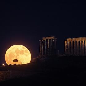 Luna en el Mediterráneo. Fernando Almeida CC BY-NC-SA 3.0 ES